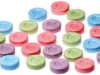 Comprimés aux excipients colorés différents